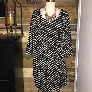 Bar III Gorgeous Black and White zigzag dress!